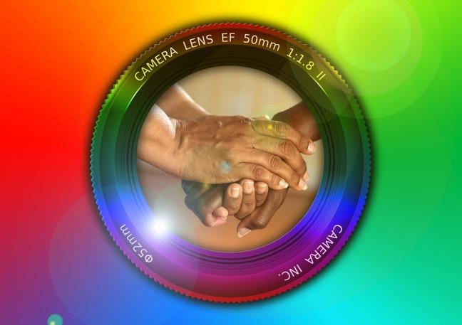 lens-833063_960_720
