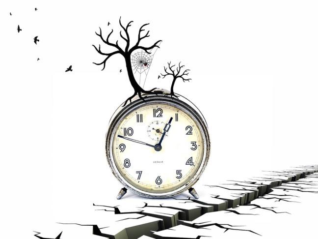 clock-474128_960_720