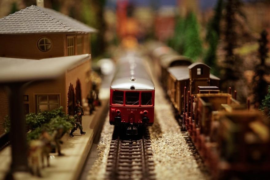 train-1148965_960_720