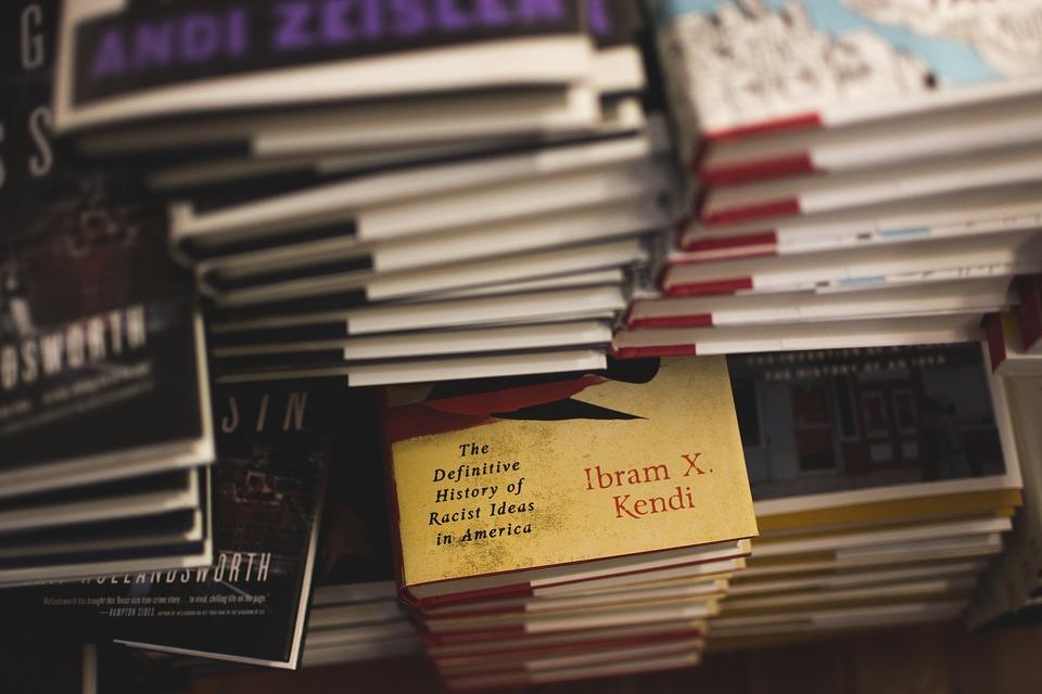 books-1837043_960_720